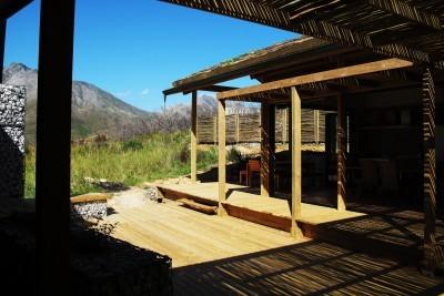 A cabin courtyard
